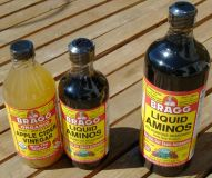 Bragg Apfel Essig, ungefiltert, bio, 473 ml